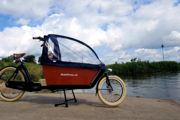 Bakfiets.nl Cargo Cruiser met regenkap
